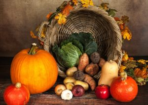 Pumpkins, sweet potatoes, onions, and garlic are rich in vitamins.