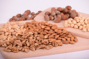 nuts protein How to balance your diet while on the road
